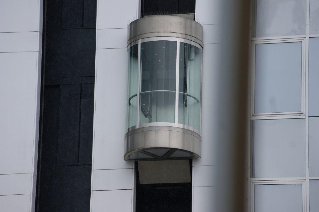 installazione manutenzione assistenza pronto intervento ascensori lecce sael